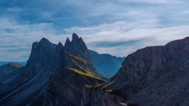 seceda mountain in dolomites, italy,4k time-lapse - tre cimo di lavaredo stock videos & royalty-free footage