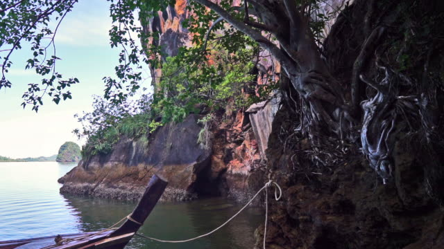 secluded tropical island, ko pee, krabi, thailand - ko lanta stock videos & royalty-free footage