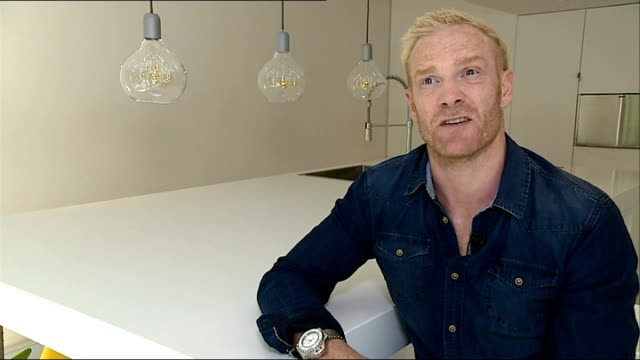 second day of competition location iwan thomas interview sot - 2日目点の映像素材/bロール