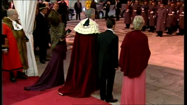 second day of state visit by nicolas sarkozy and his wife carla bruni state banquet at guildhall / sarkozy speech england london city guildhall... - state visit stock videos & royalty-free footage