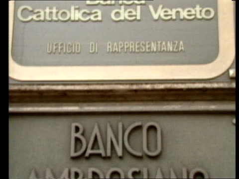 second inquest into death of roberto calvi returns an open verdict as210982007 / tx sign 'banco ambrosiano sede di roma' - calvi stock videos and b-roll footage