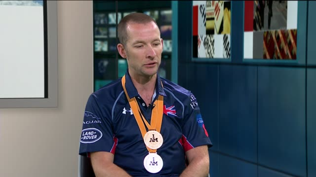 second invictus games: andy perrin wins gold medal in cycling event; england: london: gir: int andy perrin live inetrview sot - ニナ・ホサイン点の映像素材/bロール