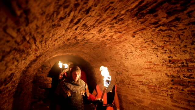 secret knights templar tunnels - periodo medievale video stock e b–roll