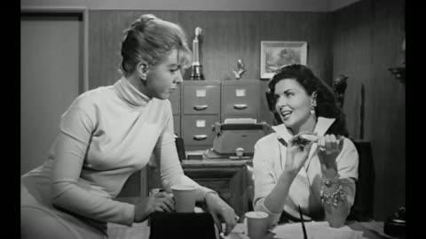 vídeos y material grabado en eventos de stock de 1959 secretaries gossip, answer phone and file nails - cotilleo