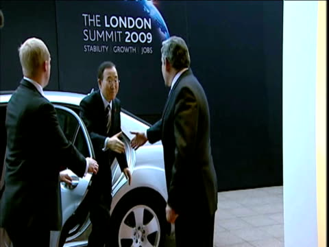 UN Secretary General Ban Ki Moon arrives at G20 Summit by car and is greeted by British Prime Minister Gordon Brown 2 April 2009