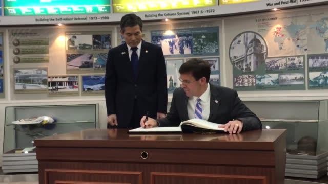 us secretary of defense dr mark t esper meets with south korean defense minister jeong kyeongdoo seoul south korea 9 august 2019 - segretario della difesa video stock e b–roll