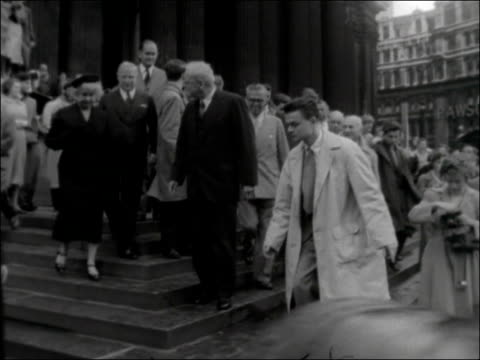 US Secretary of State attends service at St Paul's Cathedral ENGLAND London St Paul's Cathedral EXT Cathedral TILT DOWN crowds of people / John...