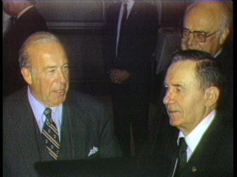 us secretary of state george shultz comments on seating arrangements involved in his meeting with andrei gromyko - (war or terrorism or election or government or illness or news event or speech or politics or politician or conflict or military or extreme weather or business or economy) and not usa stock-videos und b-roll-filmmaterial