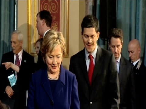 US Secretary of State Hillary Clinton and UK Foreign Secretary David Miliband arrive at press conference ahead of G20 Summit London 1 April 2009