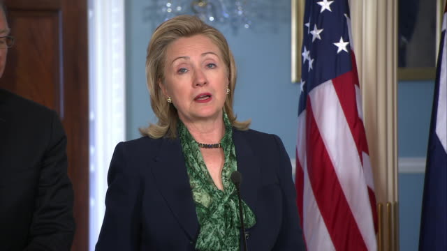 secretary of state hillary clinton mentions the death of osama bin laden during a joint press conference with the australian foreign minister. - war or terrorism or military点の映像素材/bロール