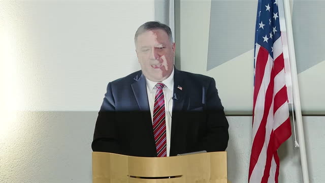 stockvideo's en b-roll-footage met secretary of state mike pompeo comments on attempts by china to steal us intellectual property and data related to coronavirus research during a... - (war or terrorism or election or government or illness or news event or speech or politics or politician or conflict or military or extreme weather or business or economy) and not usa