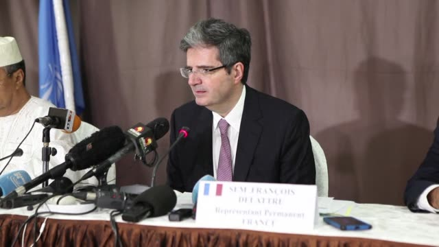 un security council ambassadors arrive in mali calling for a regional force in the sahel countries in which france sees a possible model of... - botschafter stock-videos und b-roll-filmmaterial
