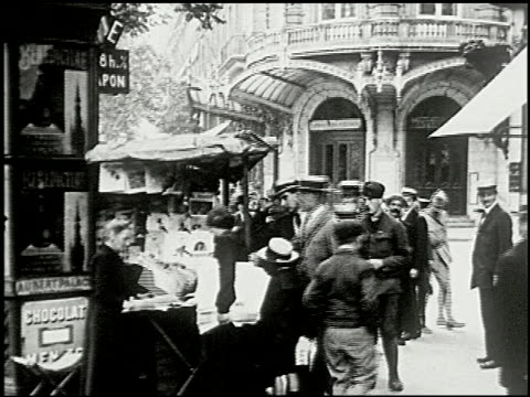 vídeos de stock, filmes e b-roll de seeing paris: part one: on the boulevards - 2 of 12 - 1920