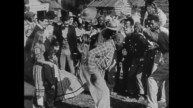 stockvideo's en b-roll-footage met racist depiction - 1860s wealthy southerners watch as slaves dance - racisme