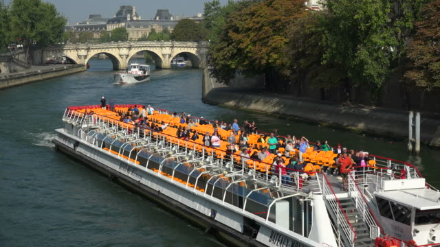 Seine River and Pont Neuf at Quai de Conti, Paris, France, Europe