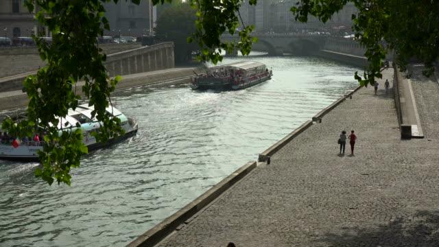 Seine River at Quai des Grands Augustins, Paris, Ile de France, France