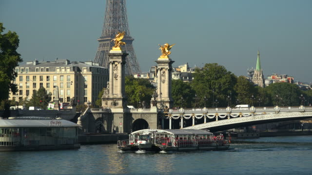 seine river, eiffel tower and pont alexandre iii, paris, france, europe - river seine stock videos & royalty-free footage