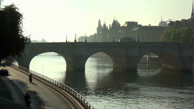 Seine River, Pont Neuf and Conciergerie, Ile de la Cite, Paris, France, Europe
