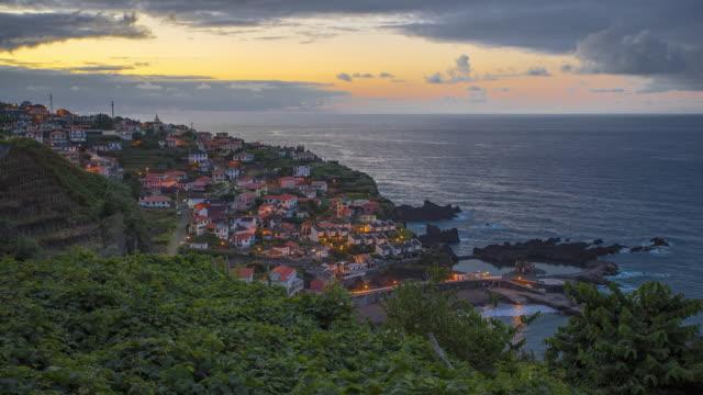 vídeos de stock e filmes b-roll de seixal (porto moniz) at dusk. madeira, portugal - 4k time-lapse - island