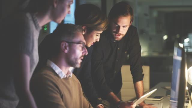 auswahl der besten ihrer ideen für die arbeit - employee engagement stock-videos und b-roll-filmmaterial
