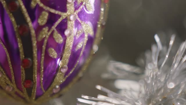 cu selective focus purple bauble - christmas decoration stock videos & royalty-free footage