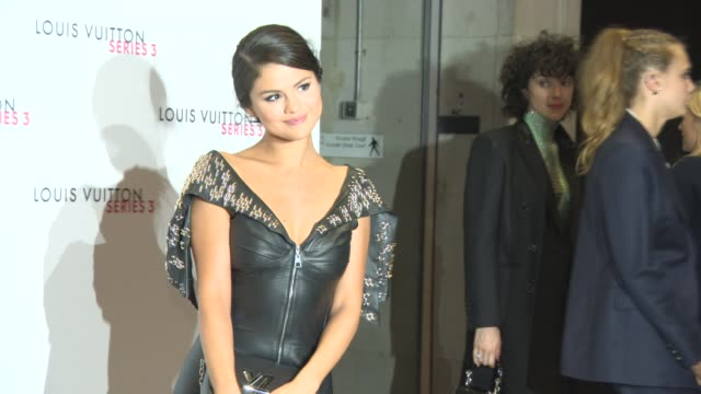 selena gomez at louis vuitton series 3 vip launch at the strand on september 20, 2015 in london, england. - ブランド ルイヴィトン点の映像素材/bロール