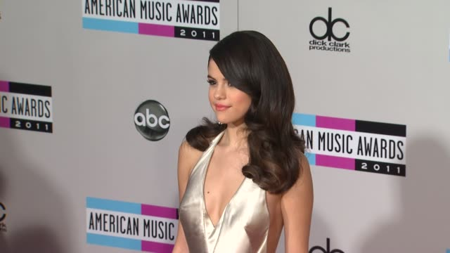 selena gomez at the 2011 american music awards arrivals at los angeles ca - selena gomez stock videos & royalty-free footage