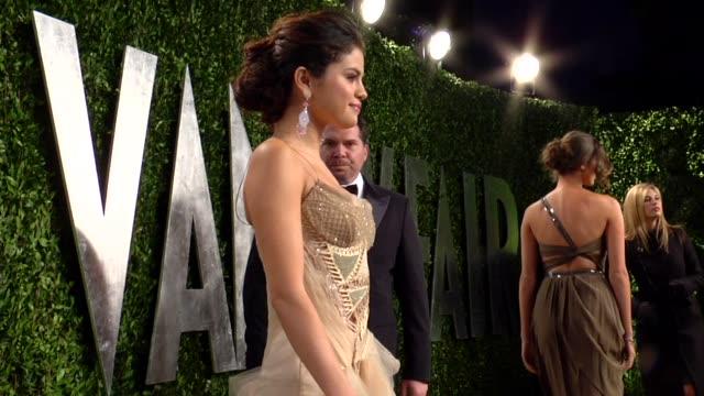Selena Gomez at The 2013 Vanity Fair Oscar Party Hosted By Graydon Carter Selena Gomez at The 2013 Vanity Fair Oscar Party at Sunset Tower on...