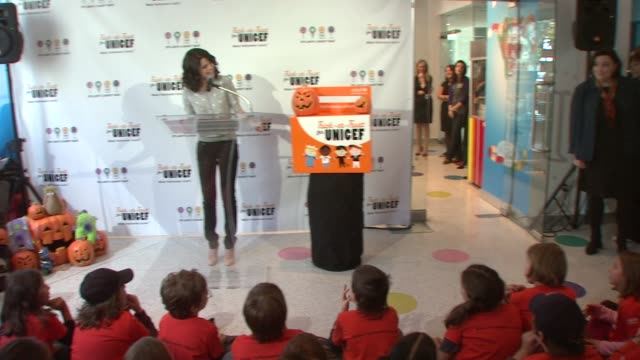 selena gomez on how it feels being the spokes person for unicef at the selena gomez launches 2008 trickortreat for unicef campaign at new york ny - speichen stock-videos und b-roll-filmmaterial