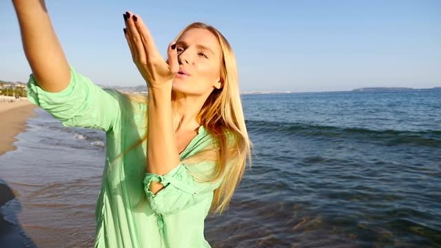 selfie & kiss on beach - memories stock videos & royalty-free footage