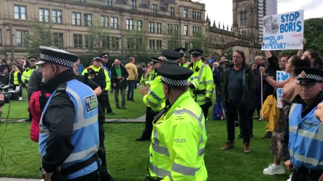 self-styled yellow vest protester james goddard takes part in the pro-brexit demo in manchester goddard was banned from going near parliament for... - 2016 european union referendum stock videos & royalty-free footage