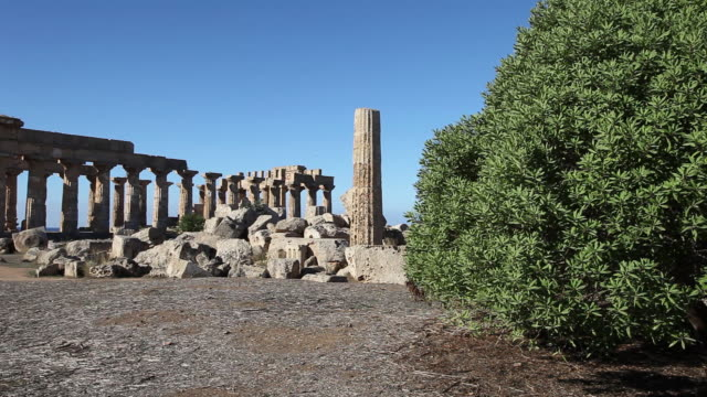 selinunte, view of eastern temples temple f in the foreground and temple e in the background - ancient greece stock videos & royalty-free footage