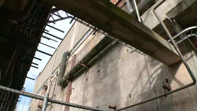 decommissioning project england cumbria sellafield nuclear power plant ext general views and close shots of rundown magnox swarf storage silos at... - sellafield nuclear power station stock videos & royalty-free footage