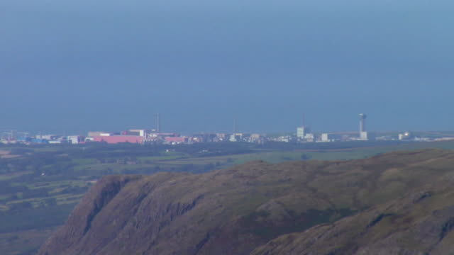ws sellafield nuclear plant from top of scafell pike / lake district, cumbria, uk   - sellafield nuclear power station stock videos & royalty-free footage