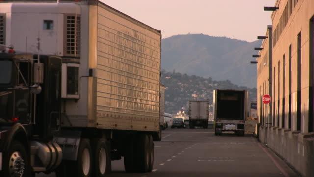 Semi-trailer truck reversing HD