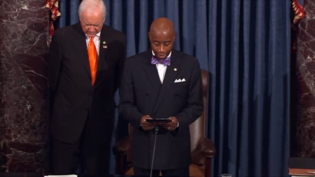 senate chaplain barry black offers prayer on holiest day of jewish year, yom kippur 2015. - ヨムキプール点の映像素材/bロール
