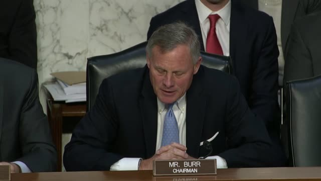 senate intelligence committee chairman richard burr of north carolina starts a hearing with general counsels from facebook twitter and google that... - carolina del nord stato usa video stock e b–roll