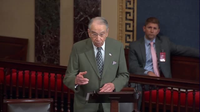 vidéos et rushes de senate judiciary committee chairman chuck grassley of iowa in his first floor remarks since the passing of associate justice antonin scalia says that... - nomination