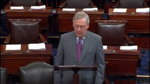 stockvideo's en b-roll-footage met senate majority leader mitch mcconnell of kentucky calls the waters of the united states role sought by the environmental protection agency a cynical... - mileubeschermingorganisatie