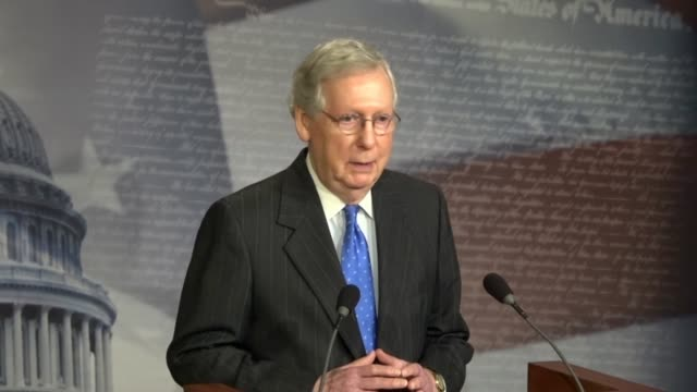 senate majority leader mitch mcconnell of kentucky tells reporters at a press conference the morning after the 2018 midterm election that the whole... - partito repubblicano degli usa video stock e b–roll