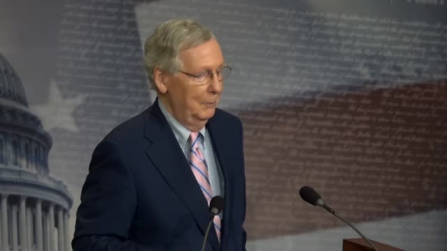stockvideo's en b-roll-footage met senate majority leader mitch mcconnell says in answer to a reporter question at a news conference after brett kavanaugh was confirmed to the supreme... - tussentijdse verkiezing