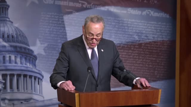 vídeos de stock, filmes e b-roll de senate minority leader chuck schumer of new york tells reporters at a press briefing two weeks after a mass shooting at a parkland florida high... - legislação