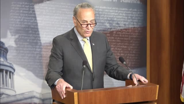stockvideo's en b-roll-footage met senate minority leader chuck schumer of new york tells reporters that attorney general jeff sessions' integrity and independence has been questioned... - procureur generaal