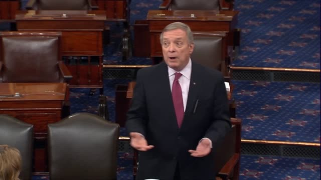 vídeos de stock, filmes e b-roll de senate minority whip dick durbin of illinois says that an investigation is necessary because senator mitch mcconnell refuses to mention merrick... - nomeação