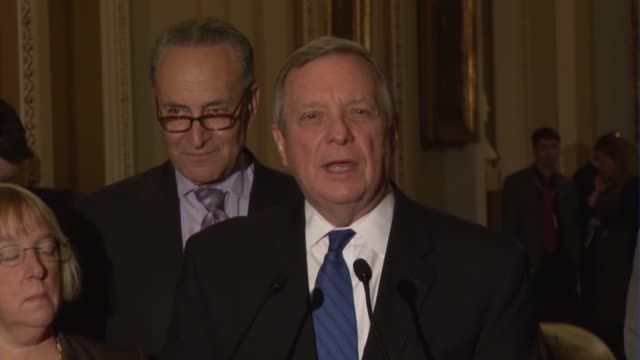 senate minority whip richard durbin of illinois tells reporters that he has listened carefully to senate republicans stated principal about filling a... - vacancyサイン点の映像素材/bロール