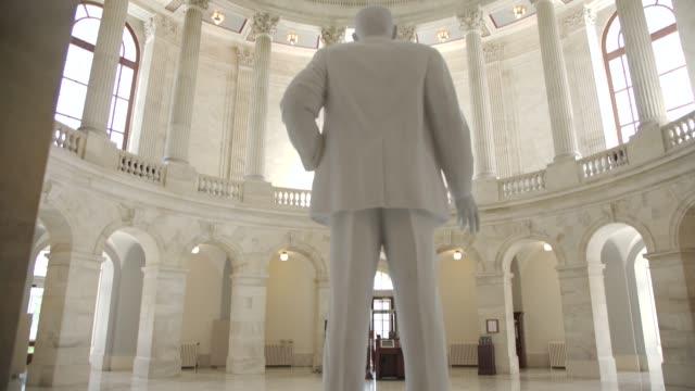 vídeos de stock e filmes b-roll de u.s. senate russell office building rotunda in washington, dc - tilt up - senado dos estados unidos