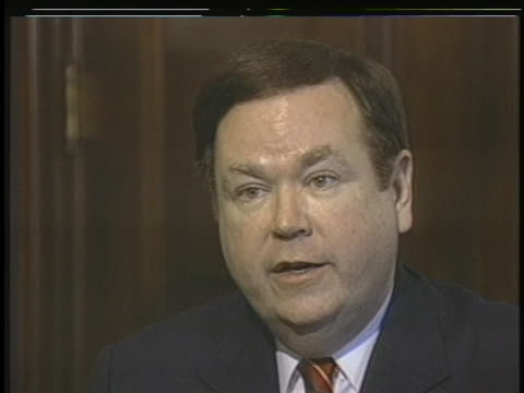 vidéos et rushes de senate select committee on iranian arms deal member david boren says the committee's task is to determine if us president ronald reagan or other high... - united states and (politics or government)