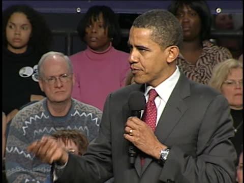 vidéos et rushes de us senator barack obama speaks at a campaign rally in lancaster pennsylvania - lancaster pennsylvanie