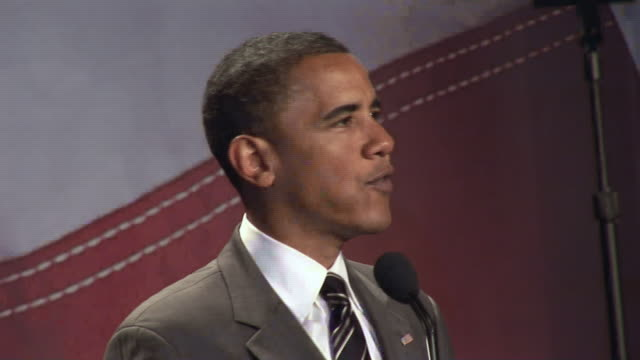 senator barack obama thanking attendees for their hard work at league of united latin american citizens convention during campaign for democratic... - demokratie stock-videos und b-roll-filmmaterial
