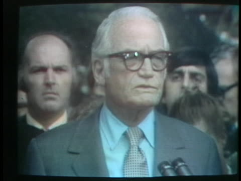 senator barry goldwater talks about his meeting with president richard nixon. saying he is confident that nixon's decision regarding a possible... - リチャード・ニクソンの大統領辞任点の映像素材/bロール